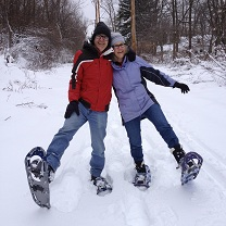 photo of Pete and Nancy snowshoeing near the Erie Canal